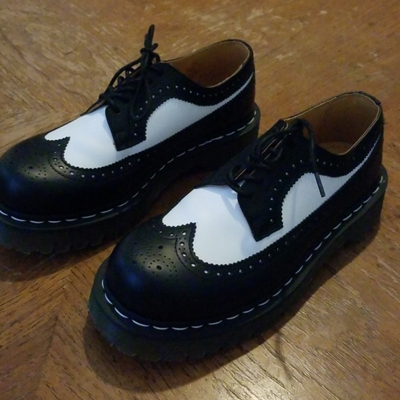 1242ad3cfd09 Dr. Martens Shoes - Doc Marten platform black and white saddle shoes